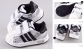 ADIDAS Black White Shoe 白/黑色休闲鞋