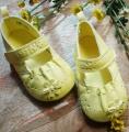 Mothercare Yellow Shoe 立体花花软皮鞋